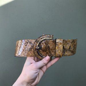 Banana republic snake skin leather belt 🦋